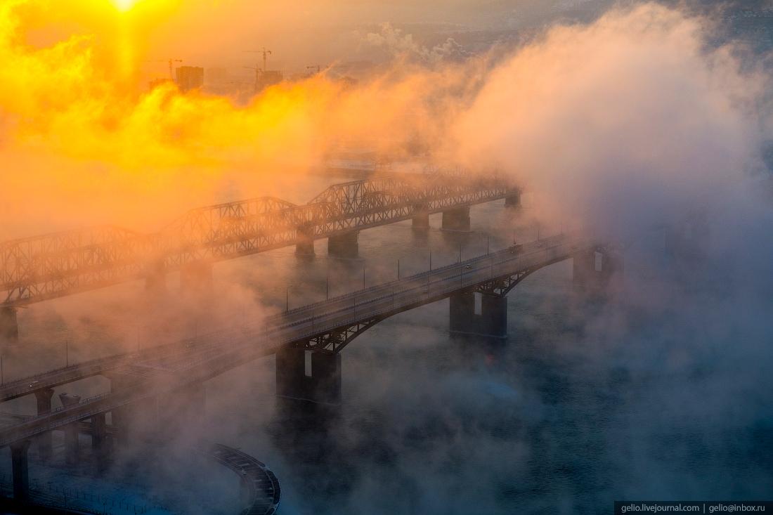 Парящий Енисей в зимнем Красноярске