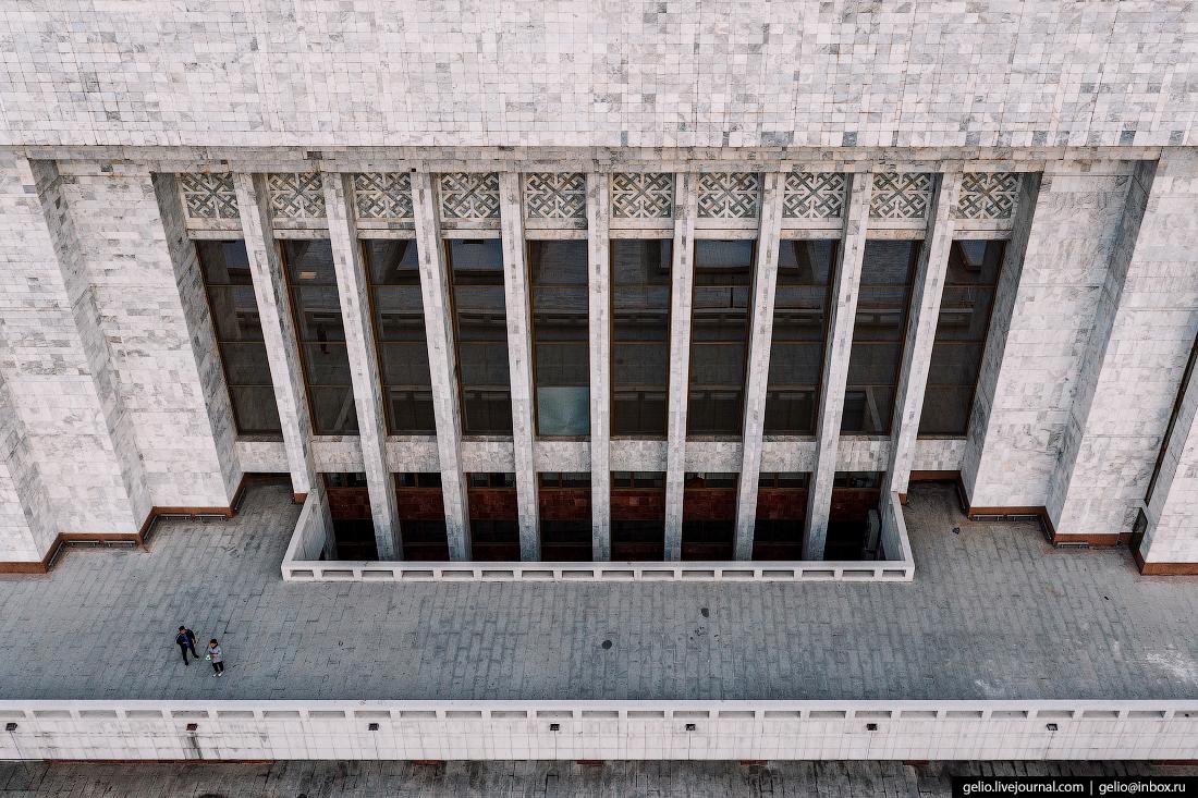 Bishkek Бишкек с высоты Государственный исторический музей