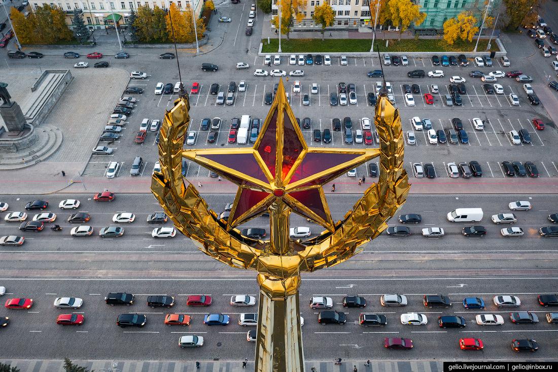 Администрация Екатеринбурга шпиль звезда