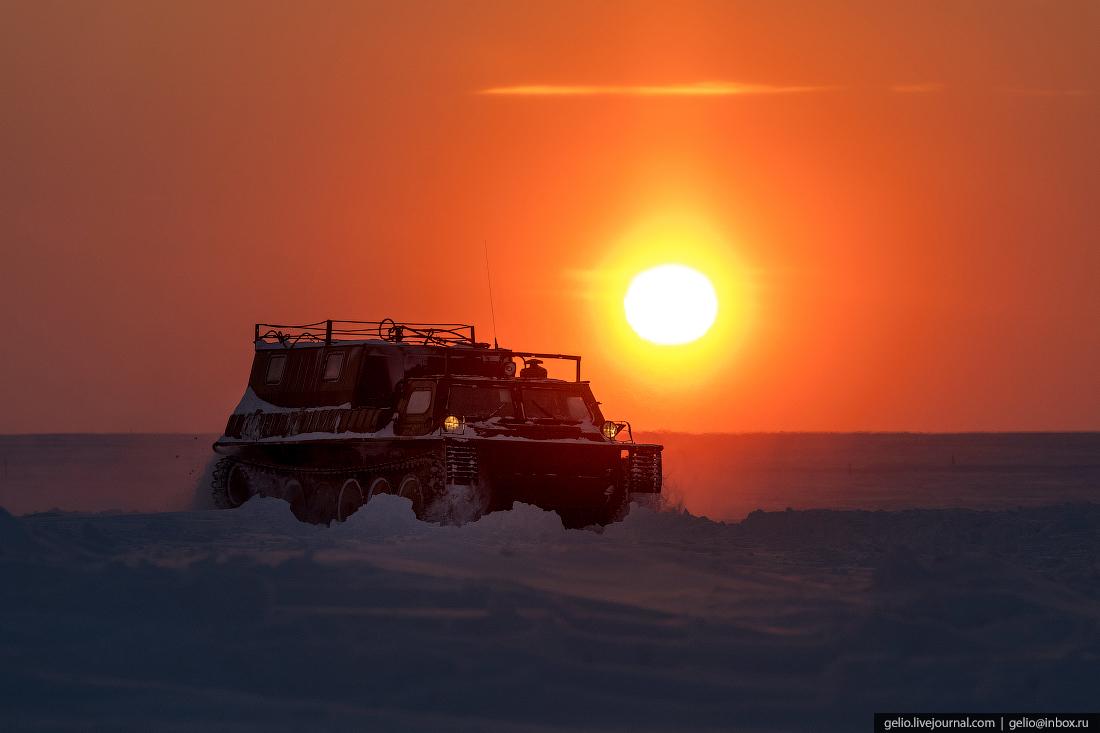 Гусеничный вездеход ГАЗ, поиск разведка нефти, крайний север, сейсморазведка