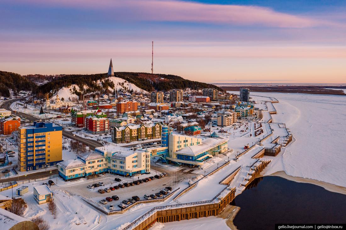 Ханты-Мансийск с высоты речной вокзал