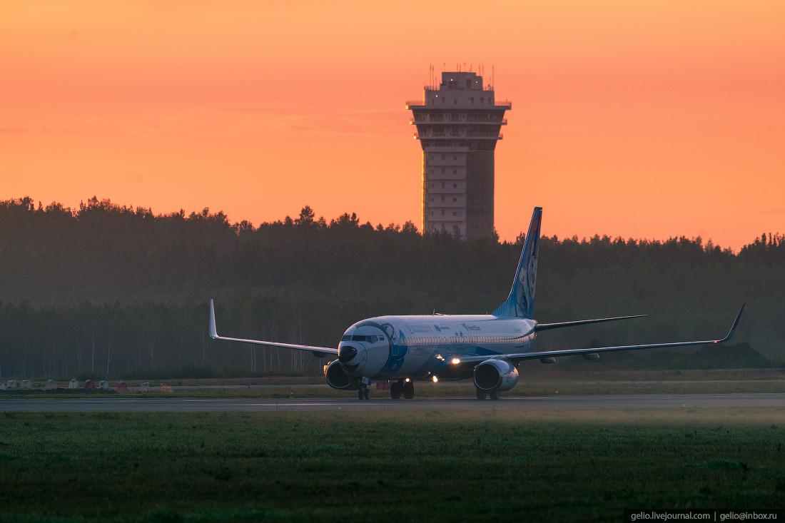 Аэропорт Красноярск Емельяново Boeing 737-800 NordStar