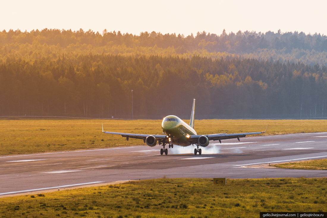 Аэропорт Красноярск Емельяново Embraer E170 авиакомпания S7 Airlines