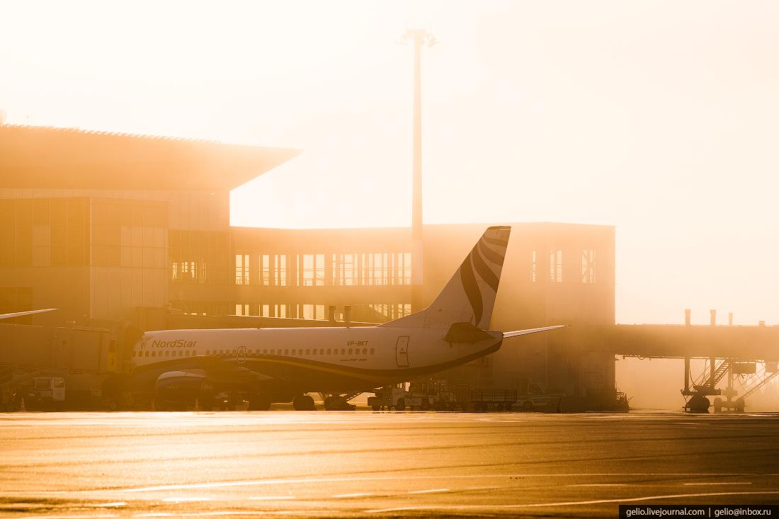 Аэропорт Красноярск Емельяново Boeing 737-300 авиакомпании NordStar