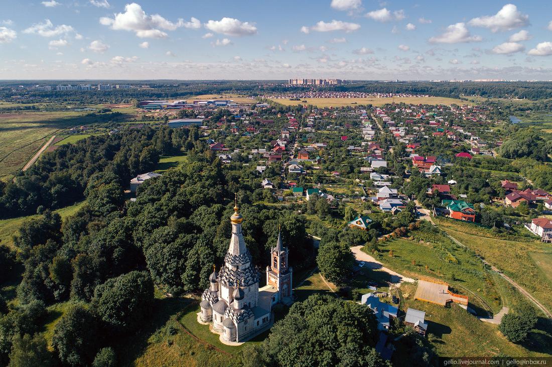 подмосковье московская область Храм Преображения Господня построен в селе Остров