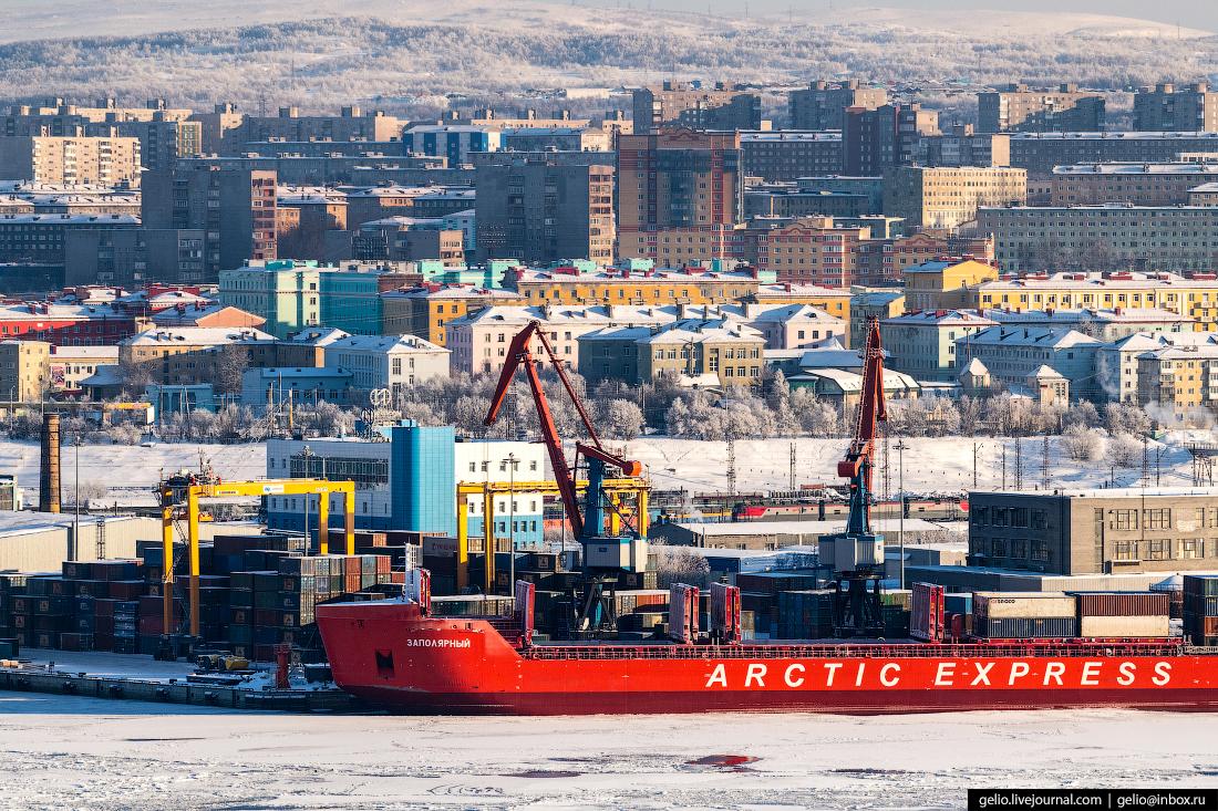 фото Мурманска с высоты, морской порт, arctic express