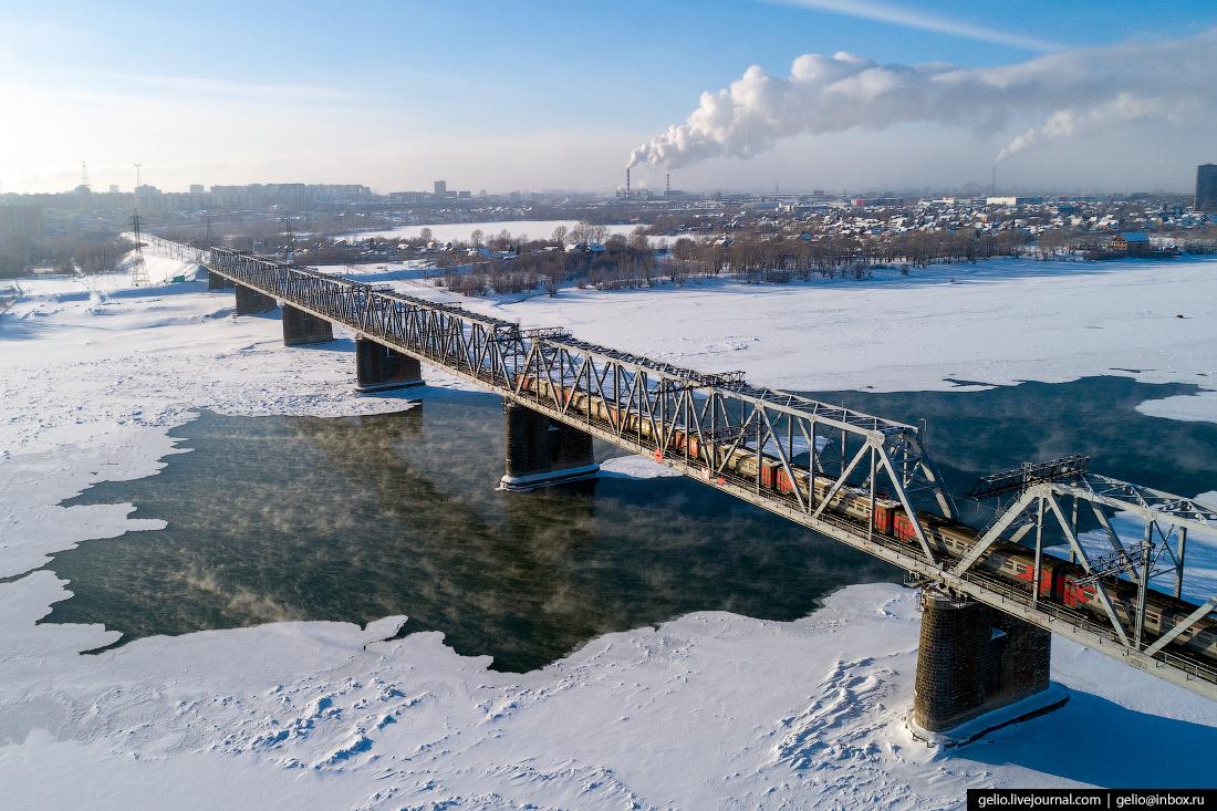 железнодорожный мост Зимний Новосибирск с высоты