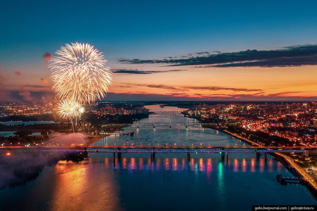 Новосибирск Праздничный салют в честь Дня Победы