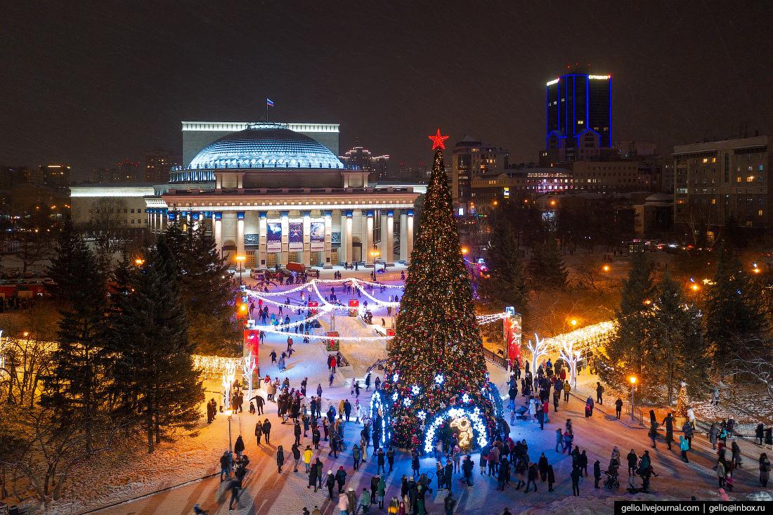 Зимний Новосибирск, каток у оперного, ёлка, новый год