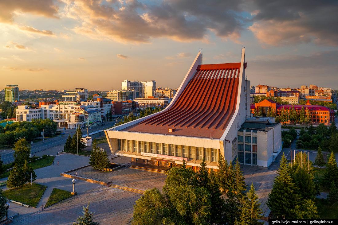 Фото Омска с высоты Омский государственный музыкальный театр
