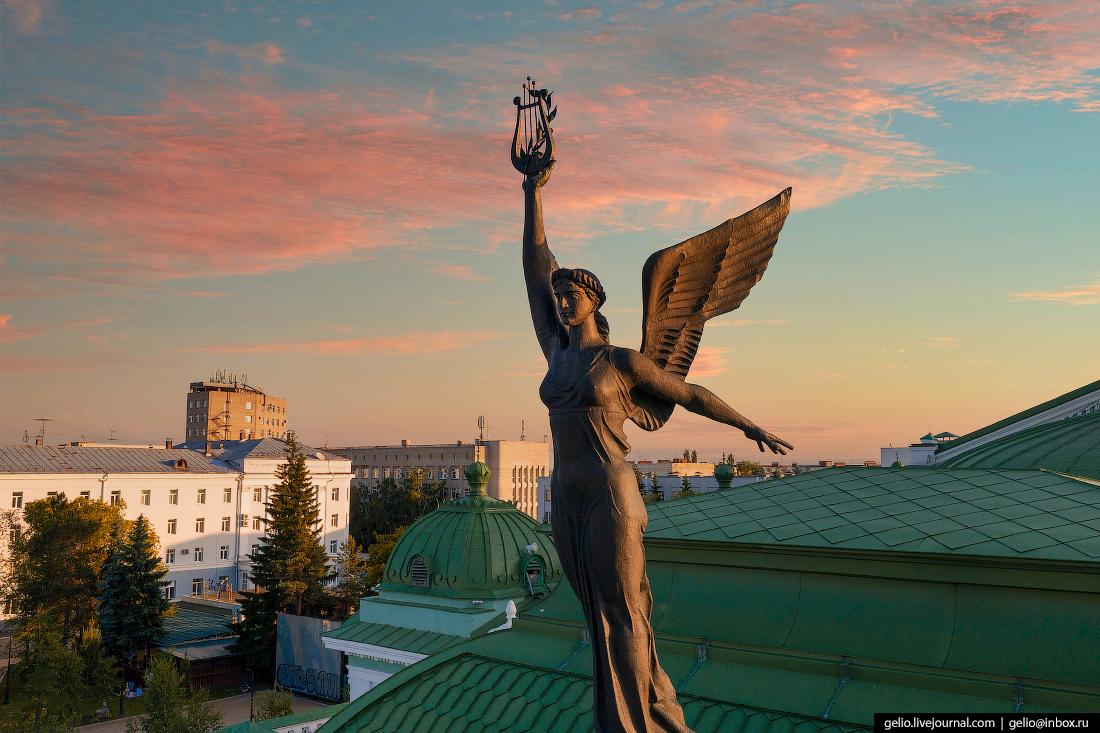Фото Омска с высоты государственный академический театр