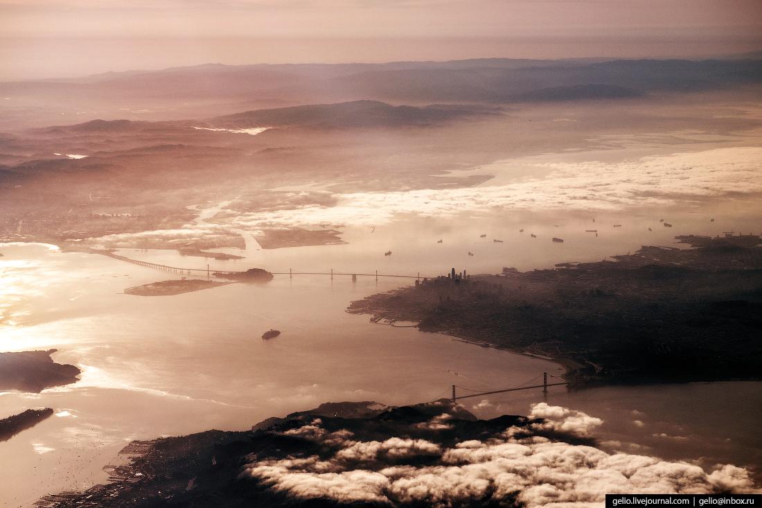 Сан-Франциско из окна самолёта, из иллюминатора
