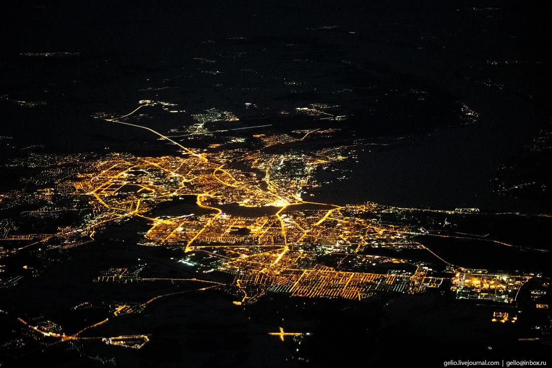 Ночная Казань из окна самолёта, из иллюминатора