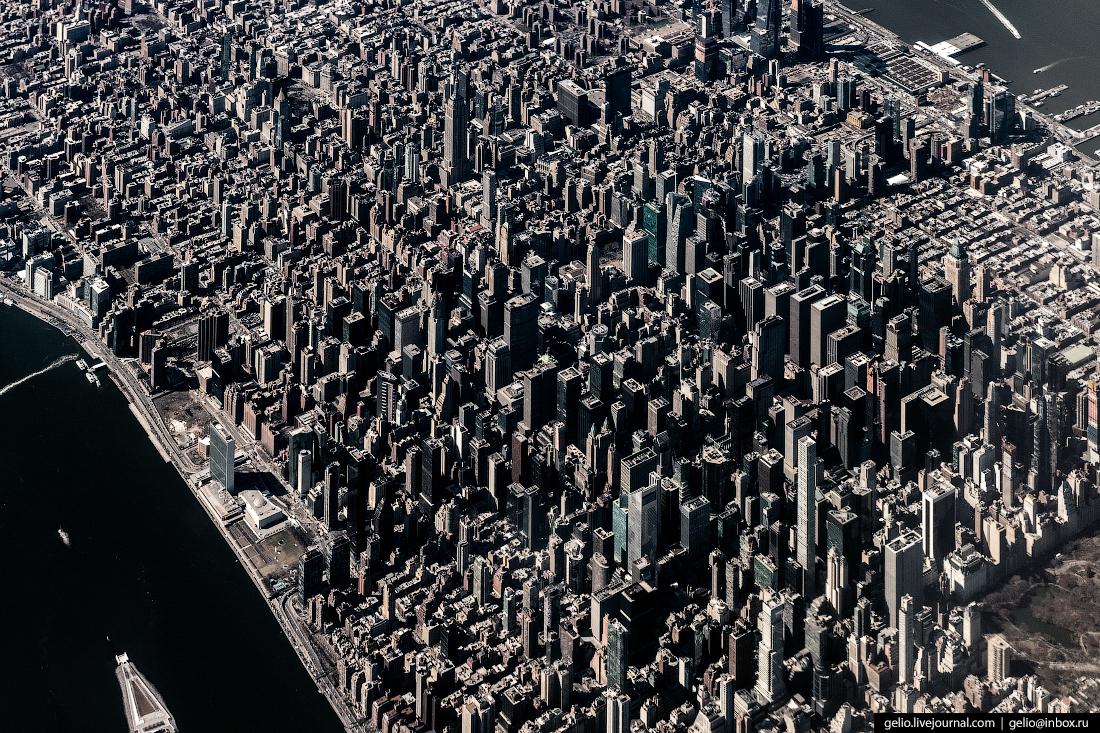 Манхэттен из окна самолёта, из иллюминатора