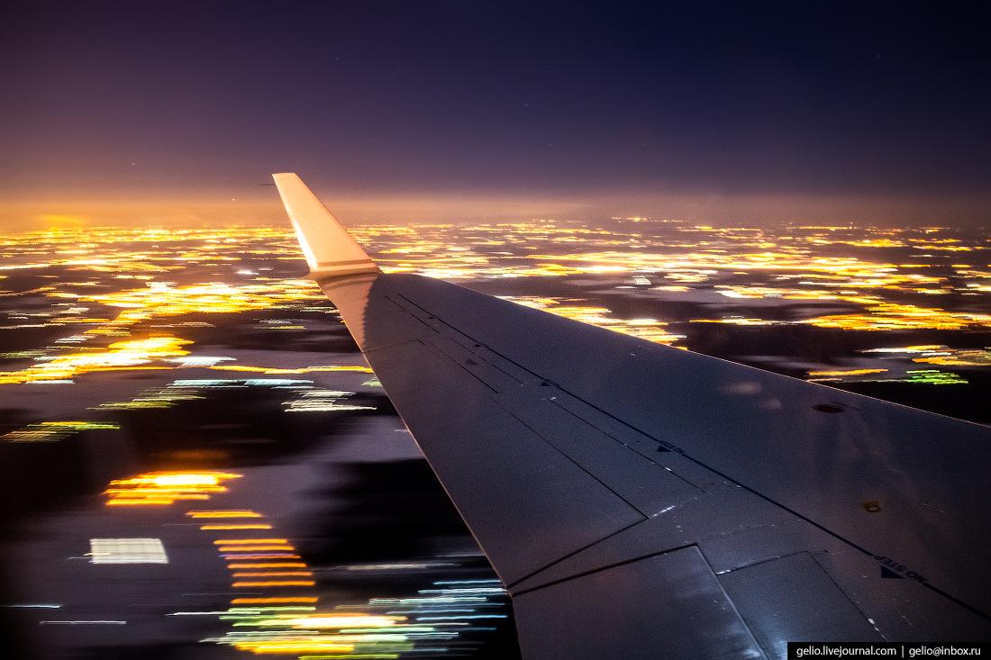 из окна самолёта, из иллюминатора