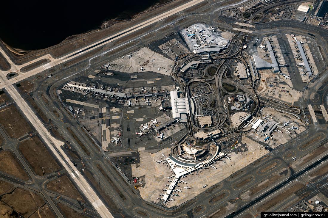 аэропорт Джона Кеннеди из окна самолёта, из иллюминатора