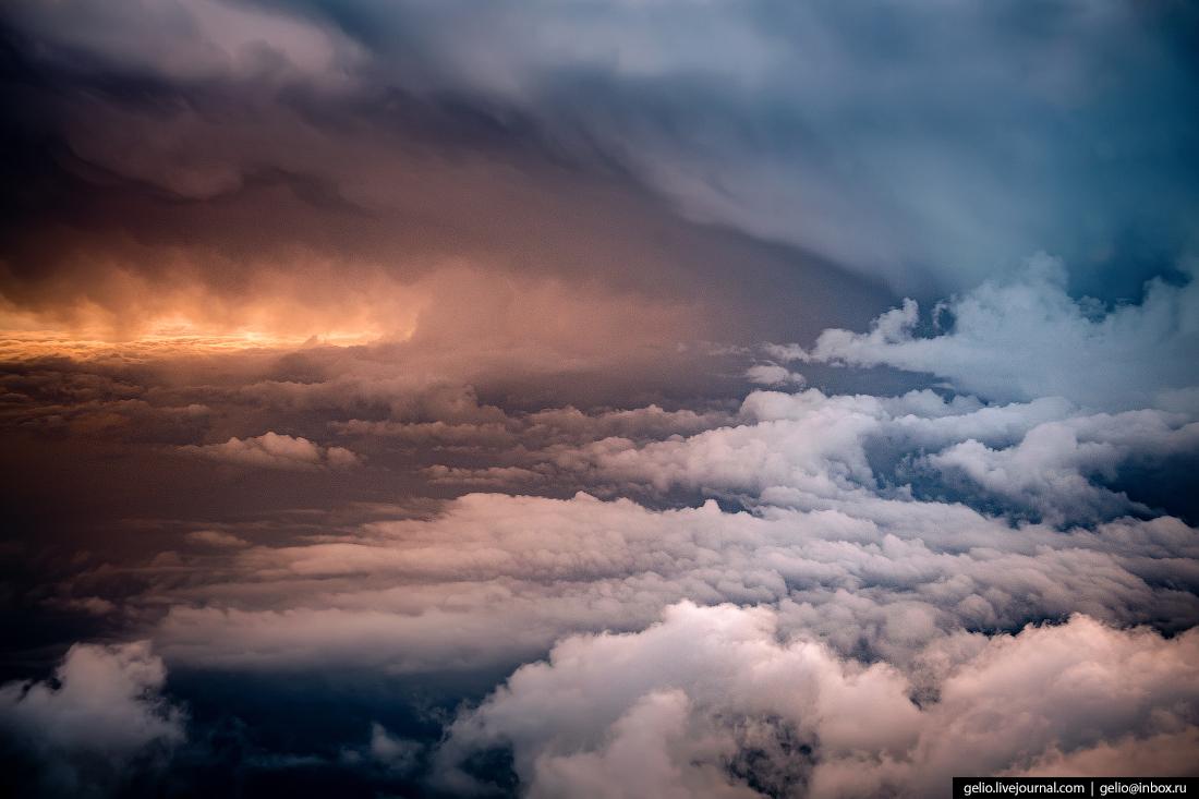 Фотографии из окна самолёта Грозовой фронт