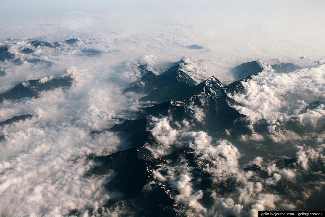 Фотографии из окна самолёта Кавказский хребет