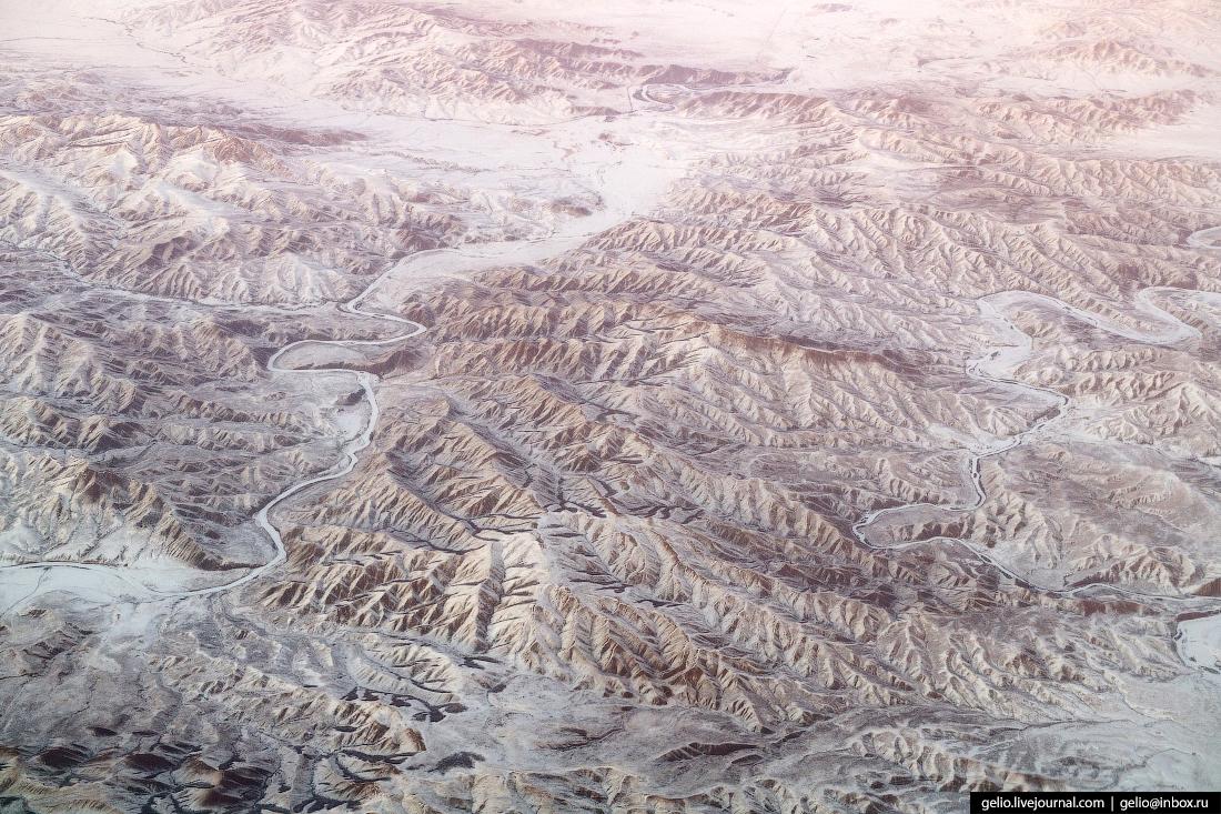 Фотографии из окна самолёта Монголия