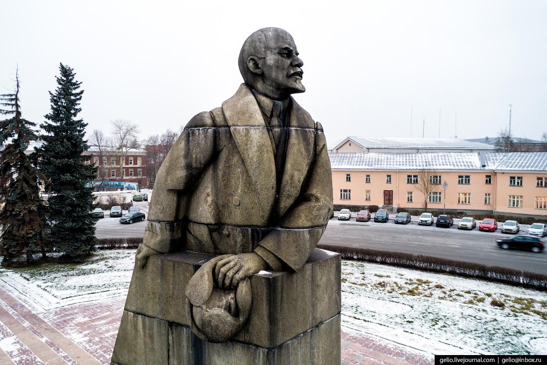Петрозаводск с высоты, памятник ленину