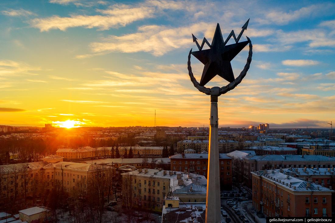 Петрозаводск с высоты, главпочтамт, шпиль