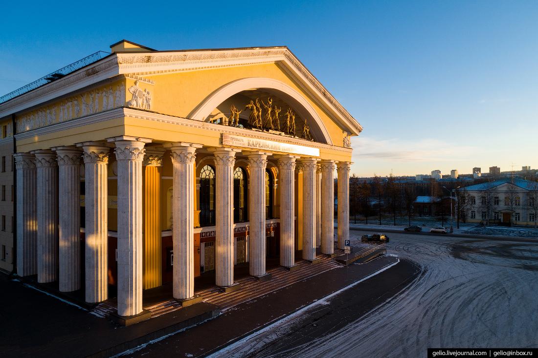 Петрозаводск с высоты, музыкальный театр