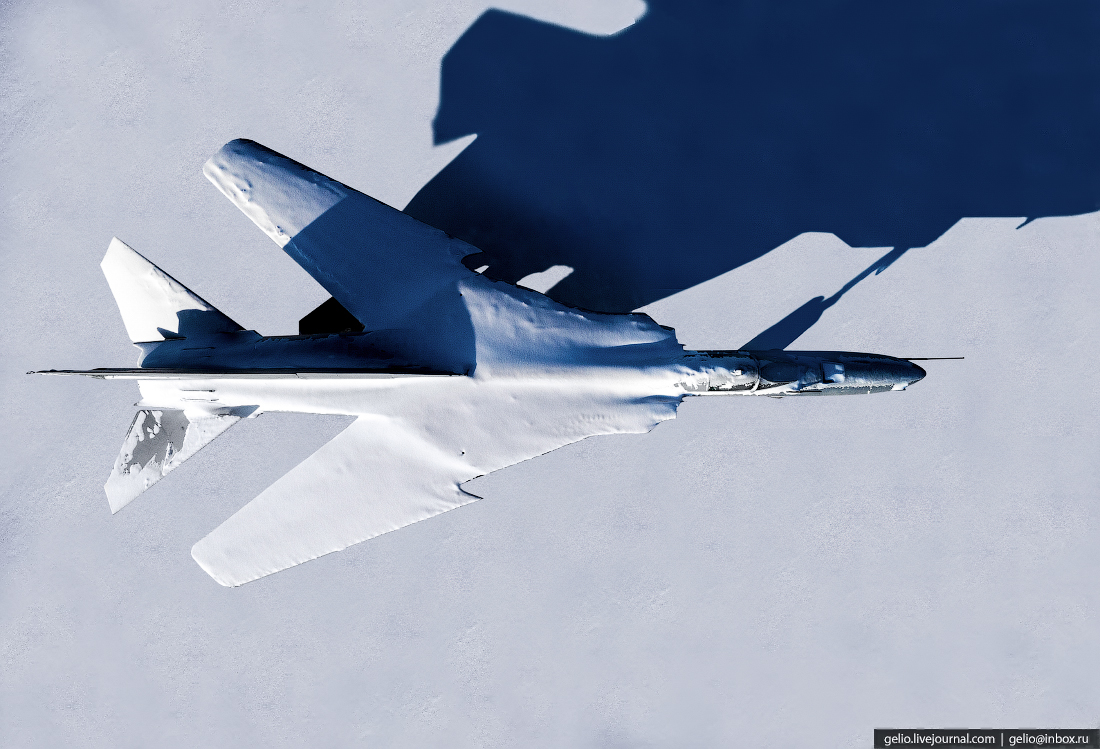 Салехард с высоты, Парк Победы, МиГ-27Д