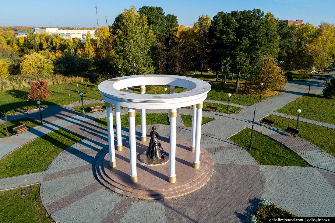 Фото Тобольск, Памятник жёнам декабристов