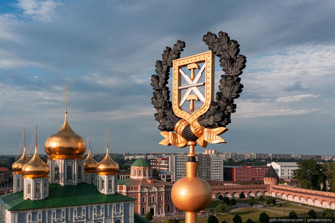тула с высоты, башня Одоевских ворот, герб тулы